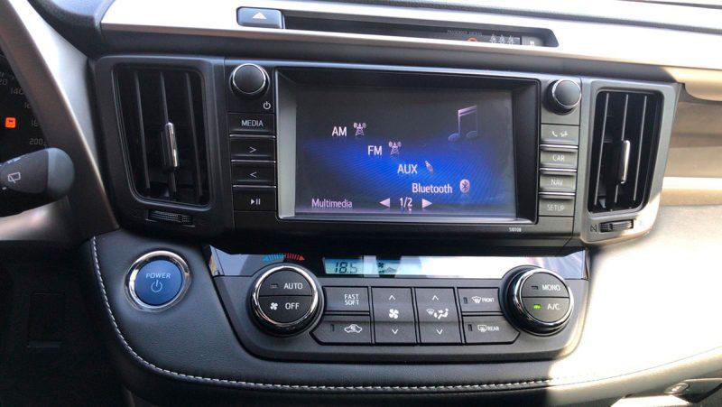 TOYOTA RAV4 2.5l hybrid 2WD Advance Pack Drive. Navegador y equipo de sonido