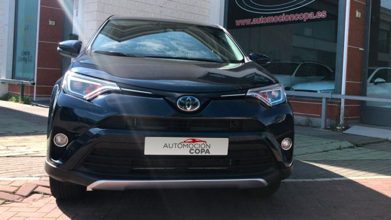 TOYOTA RAV4 2.5l hybrid 2WD Advance Pack Drive. Vista frontal