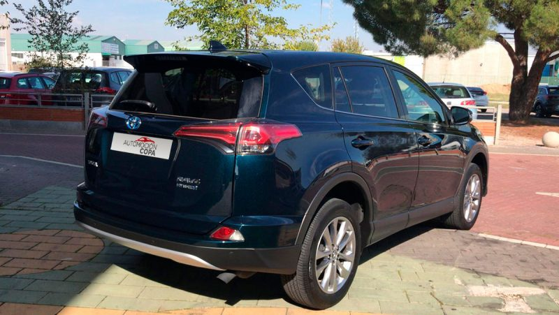 TOYOTA RAV4 2.5l hybrid 2WD Advance Pack Drive. Vista trasera lateral copiloto