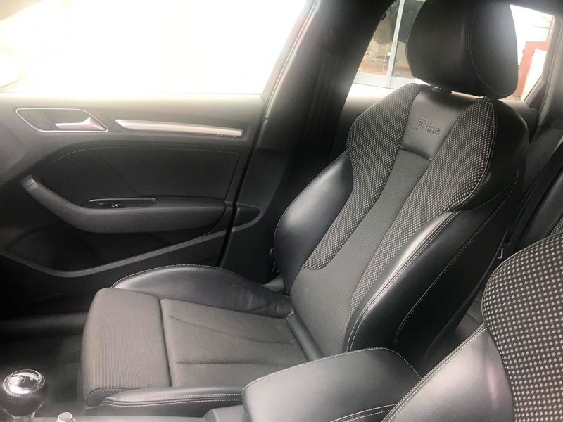 AUDI A3 Sportback 2.0 TDI S line edition. Tapicería