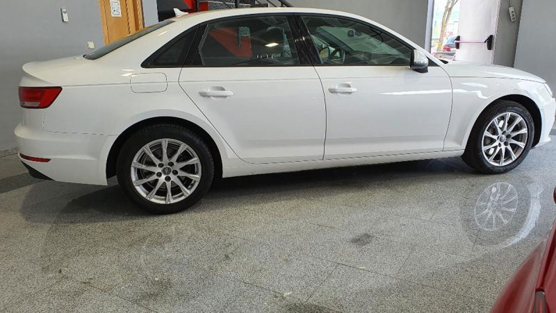 Audi A4 2.0 TDI S Tronic lateral drch