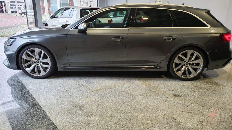 Audi RS4 Avant 2.9 TFSI lateral izd