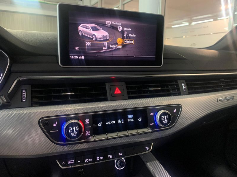 Audi RS4 Avant 2.9 331 kW quattro tiptro TFSI navegador