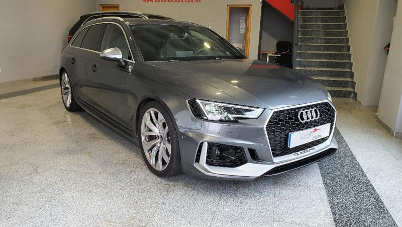 Audi RS4 Avant 2.9 TFSI visión delantera dch