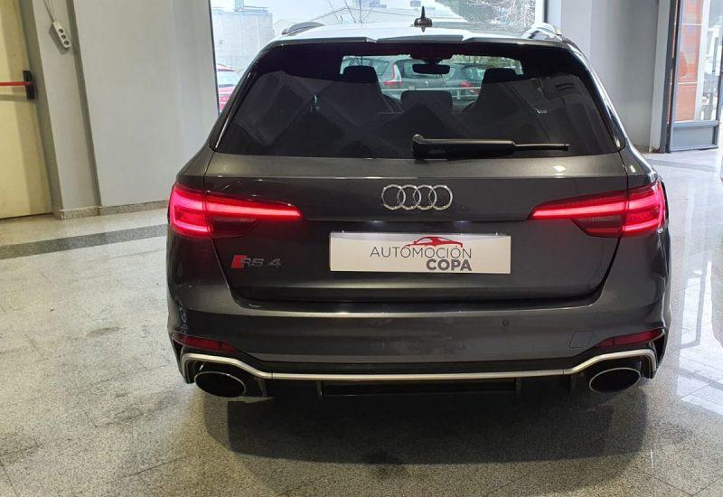 Audi RS4 Avant 2.9 TFSI visión posterior