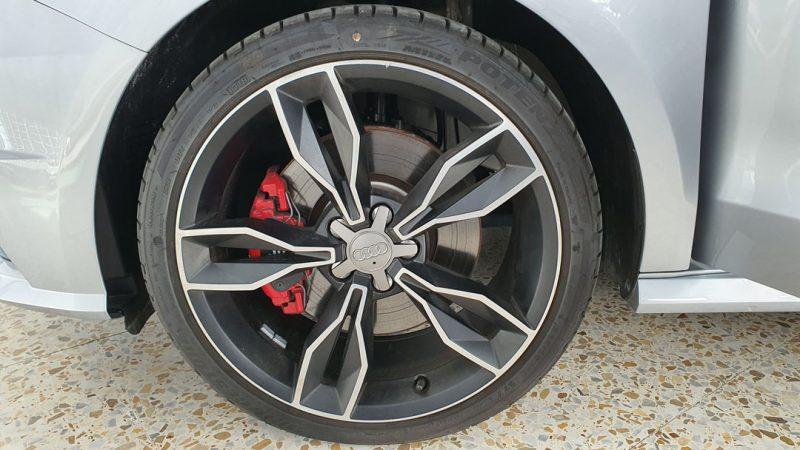 AUDI S1 Sportback 2.0 TFSI quattro vista de la llanta izquierda delantera