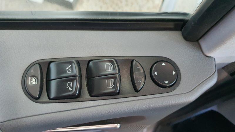 MERCEDES-BENZ VIANO 2.2 CDI Trend Extralarga control de ventanillas y retrovisores en la puerta del conductor