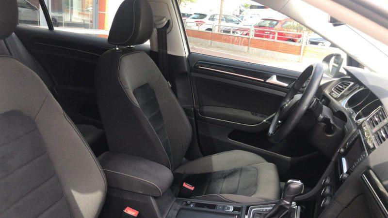 Volkswagen Golf Sport 2.0 TDI BMT DSG asiento delantero