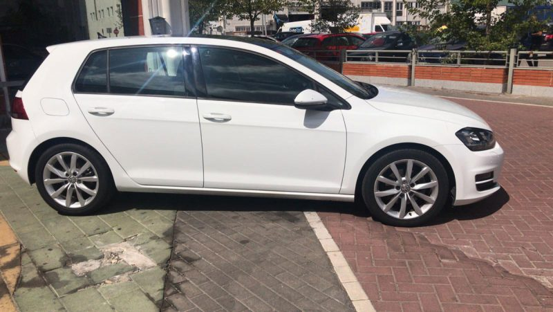 Volkswagen Golf Sport 2.0 TDI BMT DSG lateral dch