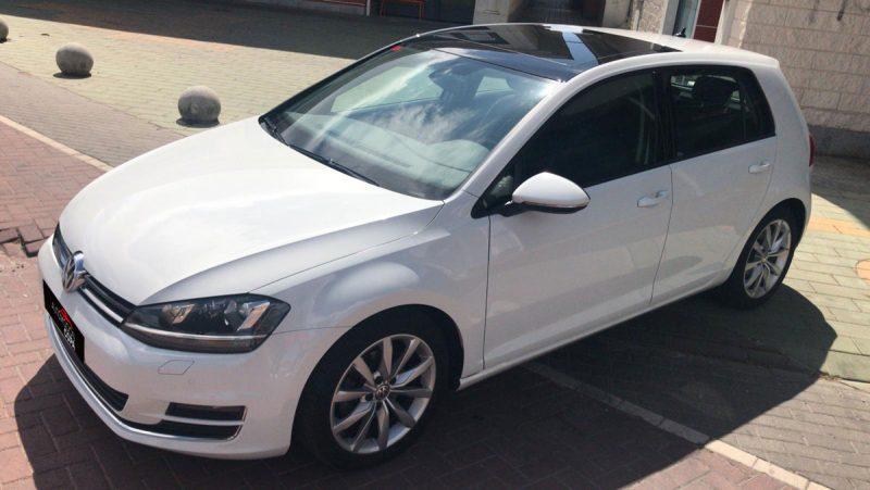 Volkswagen Golf Sport 2.0 TDI BMT DSG visión delantera izd