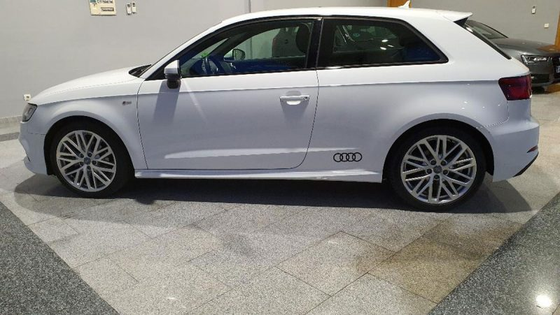 Audi A3 2.0 TDI S line edition visión lateral