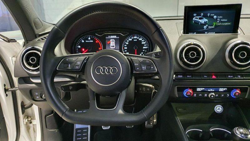 Audi A3 2.0 TDI S line edition visión volante y salpicadero