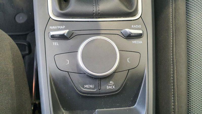 Audi Q2 design edition mandos de navegador