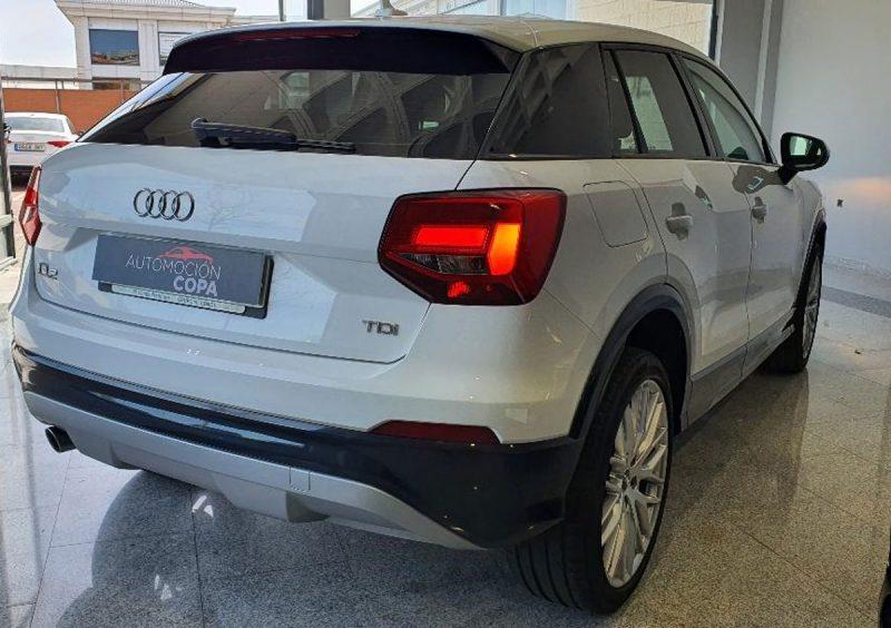 Audi Q2 design edition visión trasera derecha