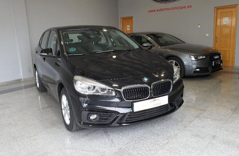 BMW 218d Active Tourer frontal dr