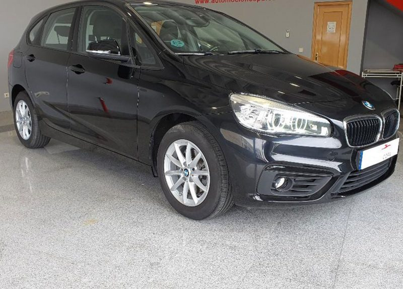 BMW 218d Active Tourer lateral delantero dr