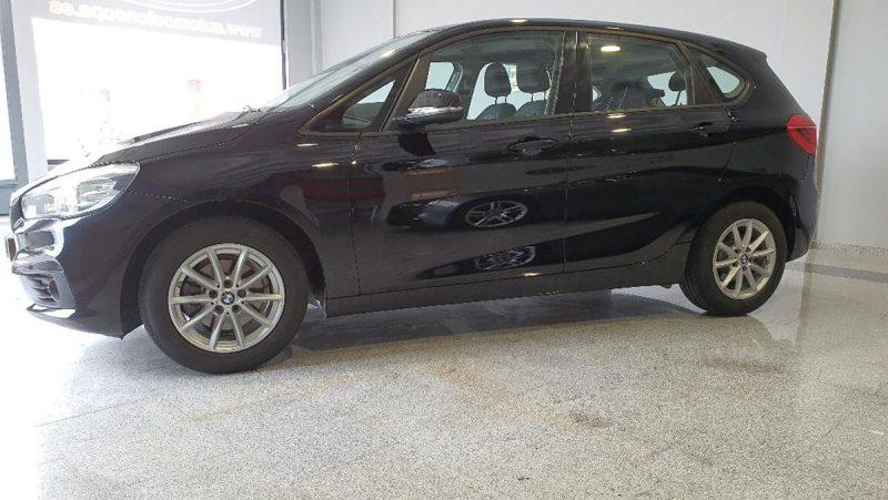 BMW 218d Active Tourer lateral izquierdo