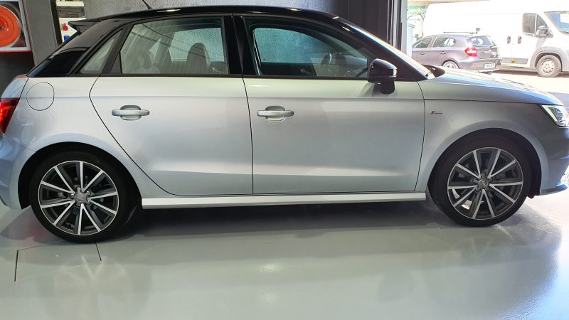 AUDI A1 Sportback 1.6 TDI Adrenalin vista lateral derecho