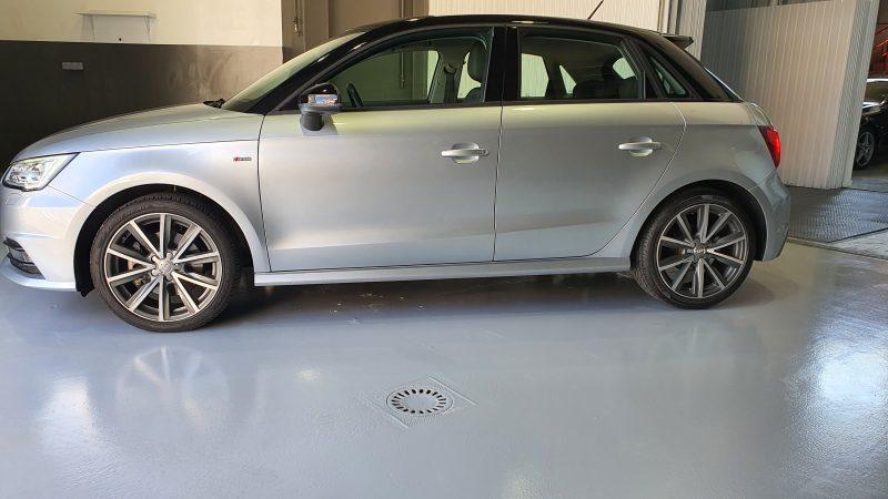 AUDI A1 Sportback 1.6 TDI Adrenalin vista lateral izquierdo