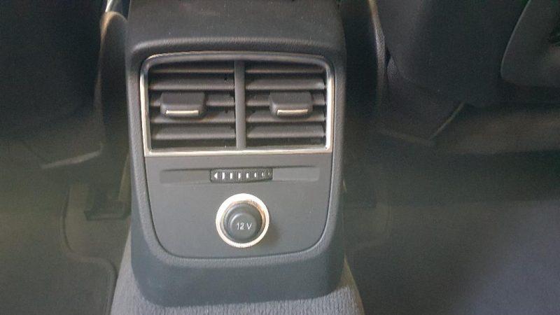 AUDI A3 Sport edition 1.0 TFSI 4 puertas salida de aire en asientos traseros