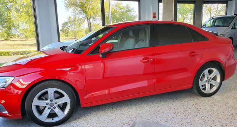 AUDI A3 Sport edition 1.0 TFSI 4 puertas vista frontal y lateral izquierdo
