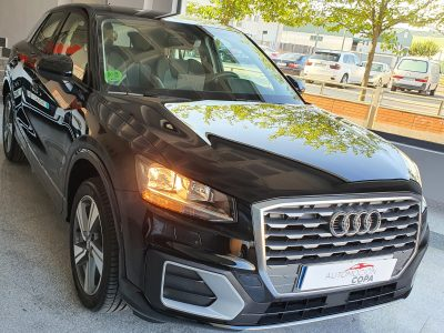 AUDI Q2 Sport edition 1.4 TFSI CoD S Tronic vista frontal y lateral derecho