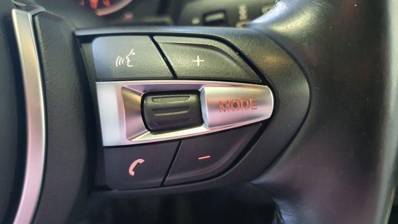 BMW Serie 2 225dA Coupe control de telefono por bluetooth en volante