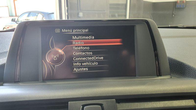 BMW Serie 2 225dA Coupe pantalla de control