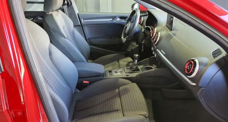 Interior delantero Audi A3 Sport edition 1.0 TFSI Sedan 4p de segunda mano