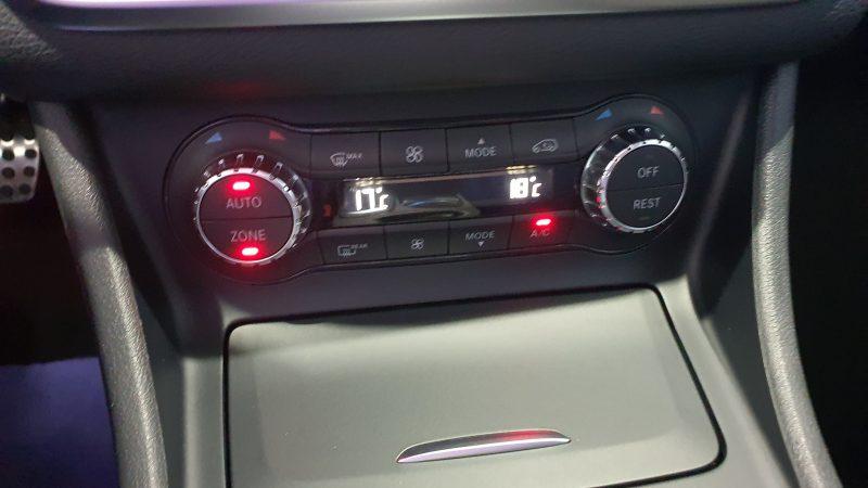 MERCEDES-BENZ Clase GLA 200 CDI AMG line 5p panel de control de aire acondicionado y calefaccion
