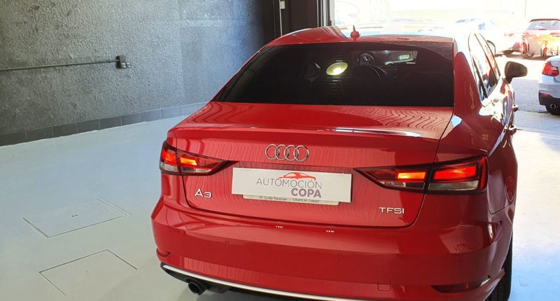 Visión trasera Audi A3 Sport edition 1.0 TFSI Sedan 4p