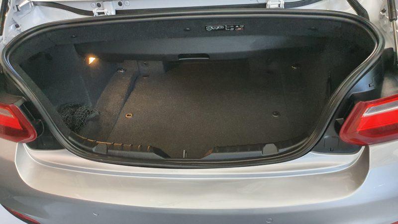 BMW Serie 2 218d Cabrio interior del maletero