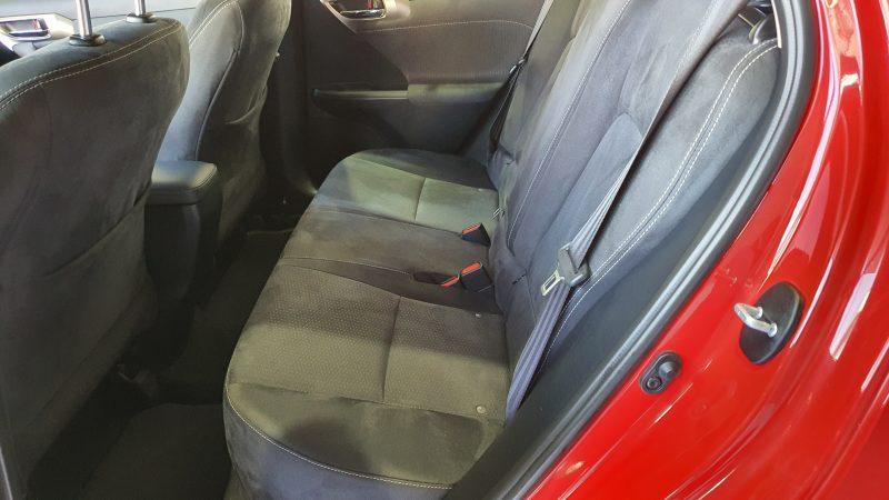 LEXUS CT 1.8 200h Business 5p asientos traseros