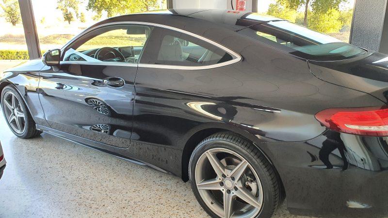 MERCEDES-BENZ Clase C Coupe 250d AMG Line vista lateral izquierdo