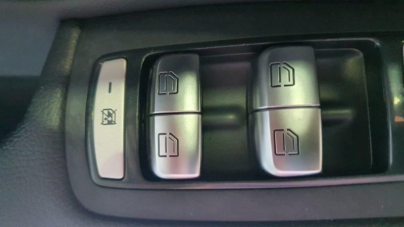 MERCEDES-BENZ Clase GLC 250d 4MATIC 5p control de ventanillas en puerta de conductor