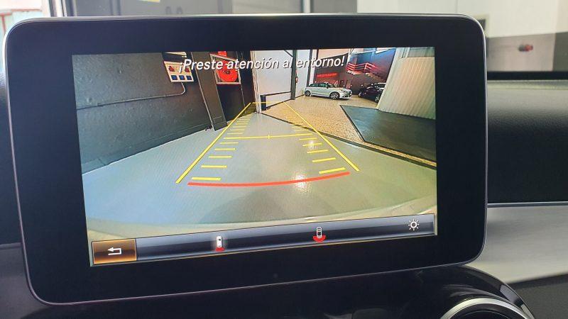MERCEDES-BENZ Clase GLC 250d 4MATIC 5p pantalla con camara trasera