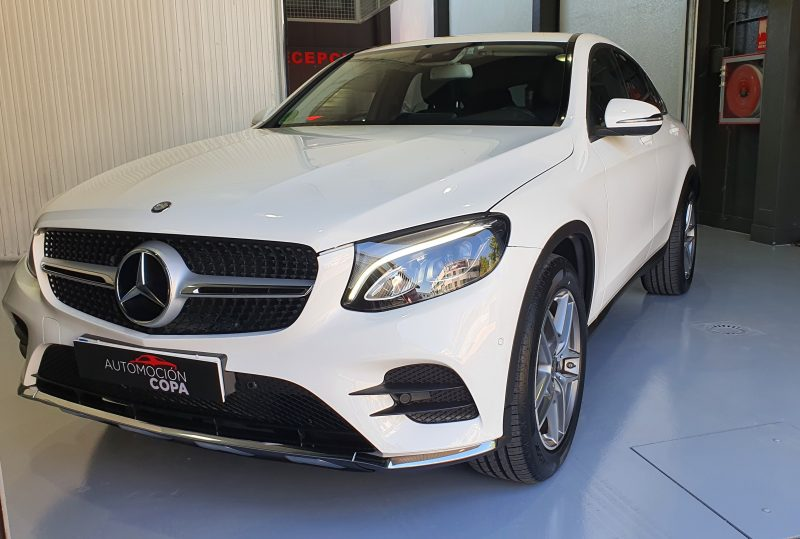 MERCEDES-BENZ Clase GLC 250d 4MATIC 5p vista frontal y lateral izquierdo