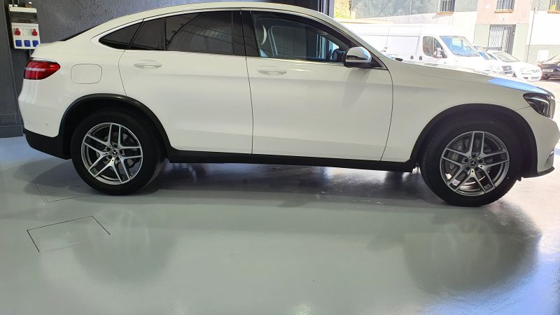 MERCEDES-BENZ Clase GLC 250d 4MATIC 5p vista lateral derecho