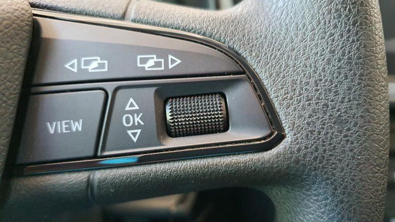 SEAT Leon ST 1.6 TDI StSp Reference control de velocidad en el volante