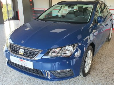 SEAT Leon ST 1.6 TDI StSp Reference vista frontal y lateral izquierdo