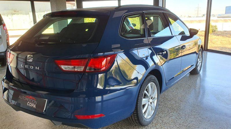 SEAT Leon ST 1.6 TDI StSp Reference vista trasera y lateral derecho