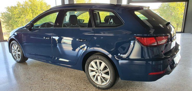 SEAT Leon ST 1.6 TDI StSp Reference vista trasera y lateral izquierdo