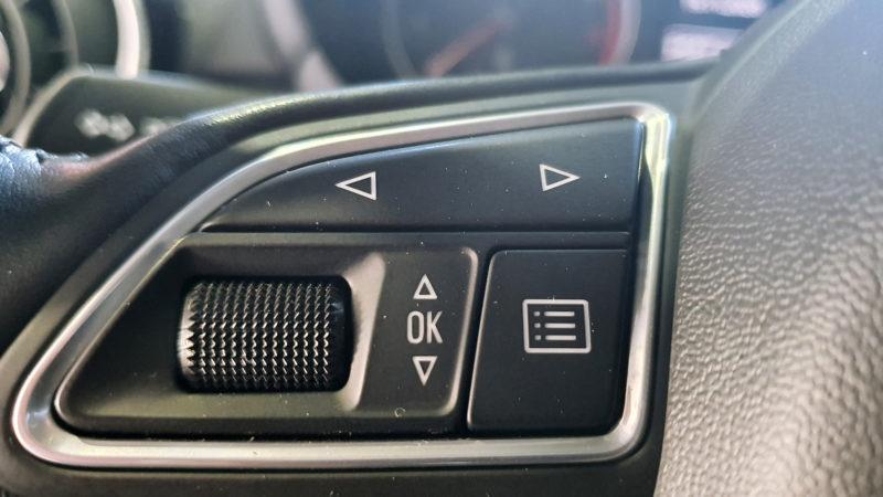 Audi A1 1.0 TFSI, mandos en el volante