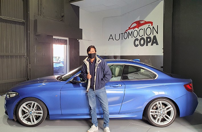 Cliente satisfecho, BMW 225 Coupe azul