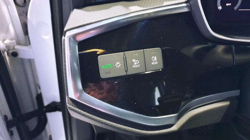 AUDI Q3 35 TDI de ocasión, mandos control luces.
