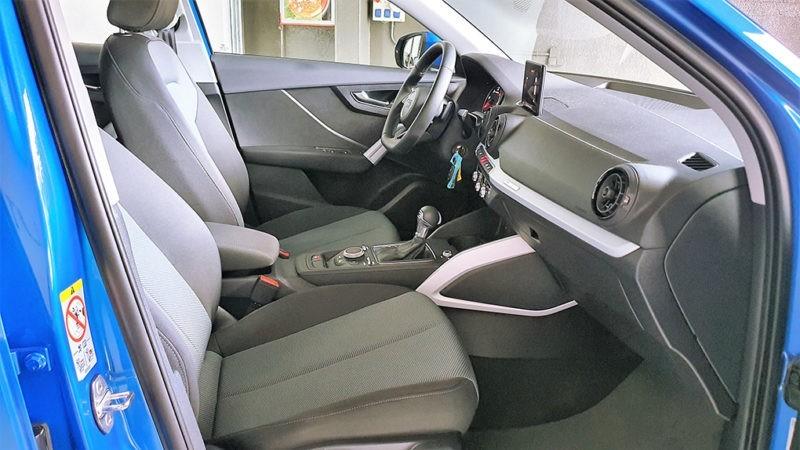 Audi Q2 1.6TDI Design edition S tronic, asientos delanteros