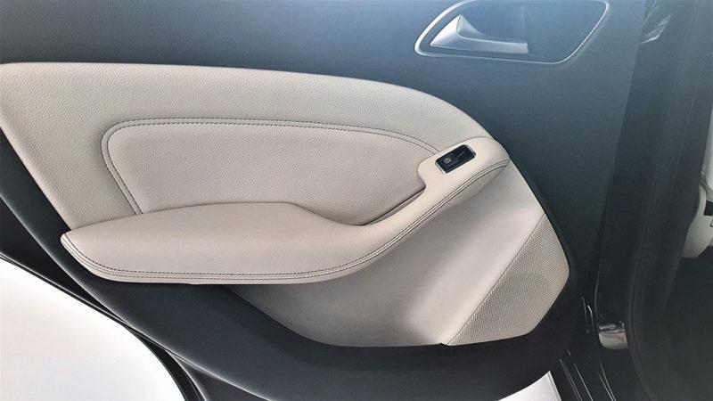Mercedes clase b segunda mano, detalle interior puerta