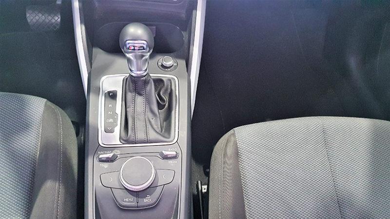AUDI Q2 1.4 TFSI de segunda mano, palanca de cambio