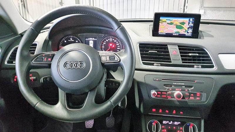 panel y volante Audi Q3 2.0 sport edition TDI