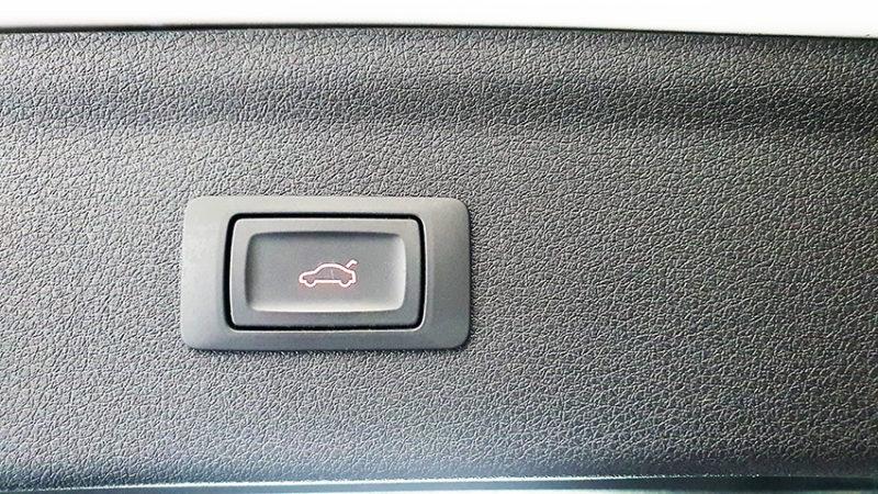AUDI-Q3-2.0-TDI-boton-maletero